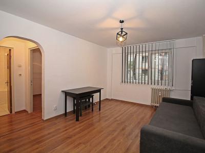 Apartament 2 camere Teiul Doamnei