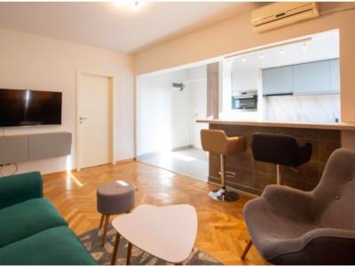 Apartament cochet de 3 camere Calea Victoriei