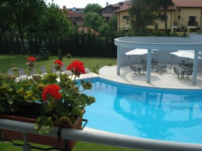 Apartament in Complex, vedere piscina, terasa 40 mp si parcare subterana