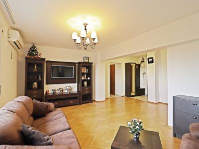 Apartament 3 camere de inchiriat Unirii Piata Constitutiei