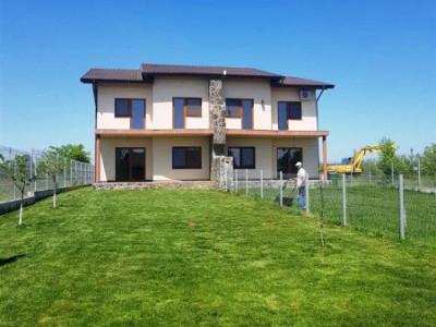 De vanzare vila Duplex ideal locuinta si investitie teren 1800 mp in Balotesti